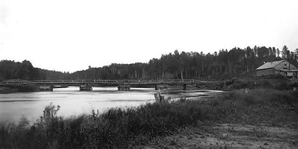 Image of first pile bridge over the Vermilion River built in 1891
